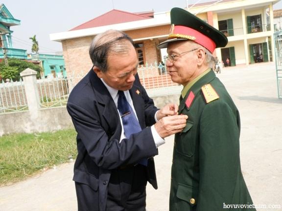 Đại tá Vũ Mạnh Thư - Phó Chủ tịch HĐ DH Vũ - Võ Việt